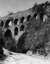 תמונה של יריחו 1945 - אמת המים | תמונות