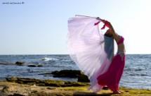 תמונה של רקדנית במכמורת   תמונות