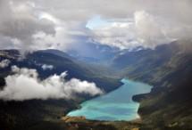 תמונה של מעל גאיות ואגמים   תמונות