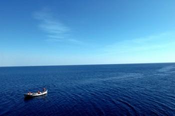 סירה בים שקט