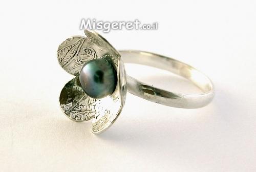 טבעת תחרה עם פנינה