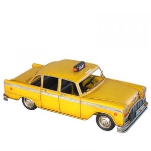 מונית צהובה עתיקה