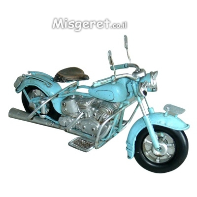 אופנוע תכלת קטן