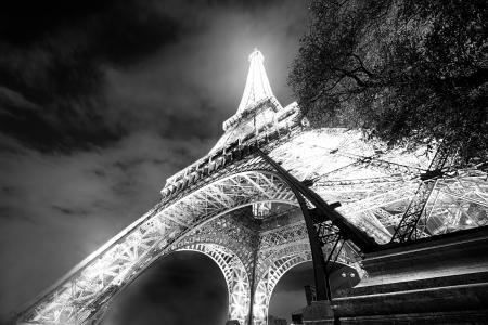 Eiffel Glowing
