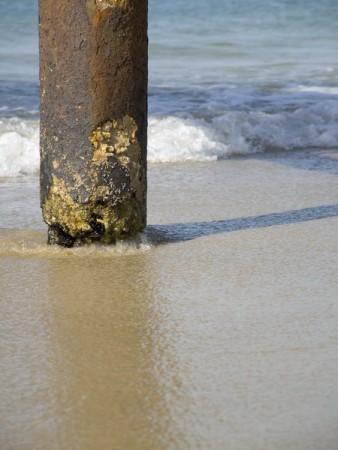 עמוד בחוף עתלית