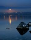 ירח כנרת ואבן