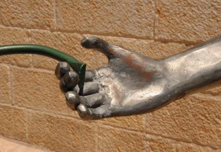 ידי הברזל