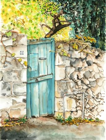 דלת עץ כחולה