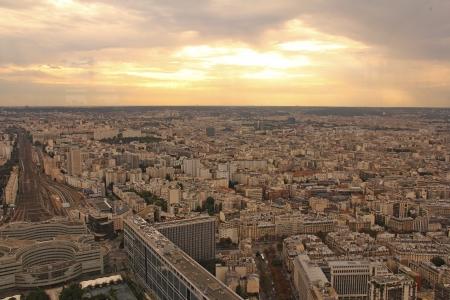 פריז תחת אש