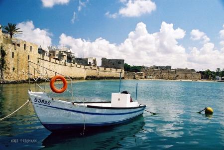 סירה בעכו