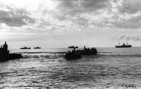 תל אביב 1937 - אניות בחוף