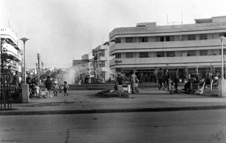 כיכר העיר - 1935
