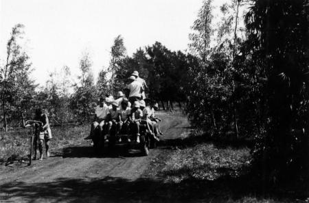 שדה נחום 1947, עגלה ונוער