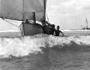 תל אביב 1939 נערים וסירה
