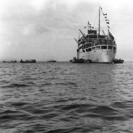 תל אביב 1939 אוניה וסירות