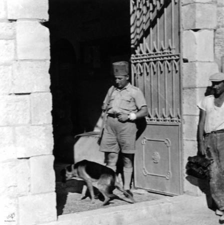 ירושלים 1938 נוטר בכניסה