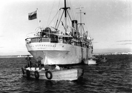 תל אביב 1937 סירות מטען