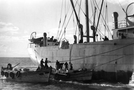 תל אביב 1937 הטענת אוניה