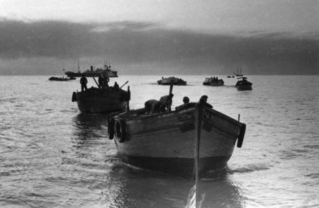תל אביב 1937 סירות בערב