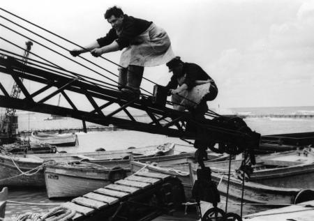 תל אביב 1937 פועלים ומנוף