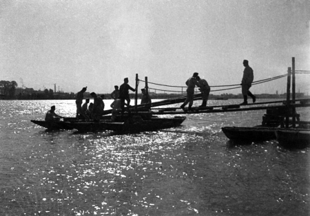 תל אביב 1937 גשר לסירה