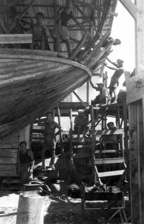 תל אביב 1937 בונים סירה