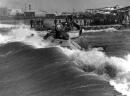 תל אביב 1937 ים סוער בנמל