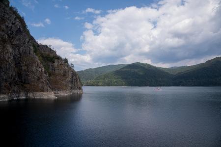 צוקי האגם