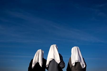 שלוש נזירות
