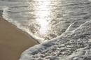 מפגש גלים וחול