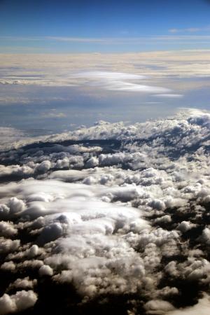 עננים ואופק