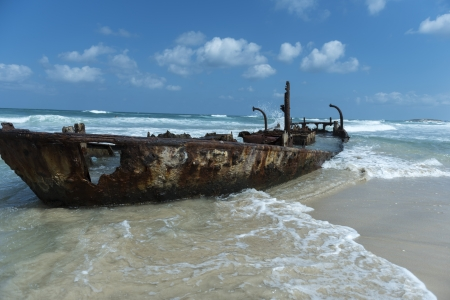 סירה על החוף