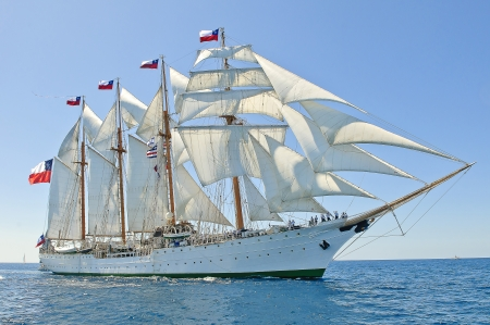 הספינה איזמרלדה
