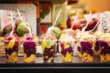 סלט פירות בכוס