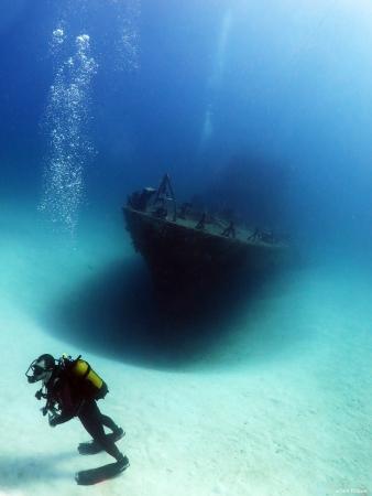 ספינה וצוללן