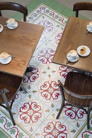 עיצוב של בית קפה צלם:דודו אזולאי | עיצוב פנים
