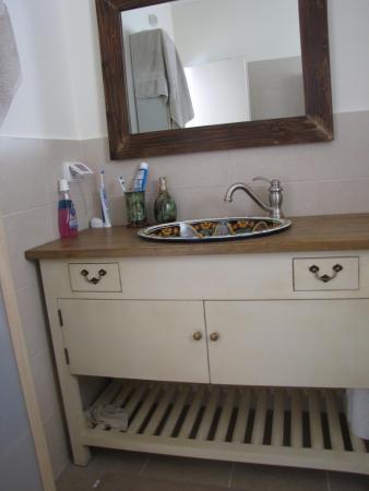עיצוב של שיפוץ חדר אמבטיה קטן | עיצוב פנים