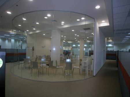 עיצוב של מחיצות זכוכית | עיצוב פנים