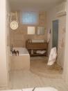 עיצוב של אמבטיה פתוחה לחדר שינה | עיצוב פנים