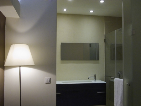 עיצוב של מבט למקלחת הורים   עיצוב פנים