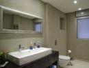 עיצוב של אמבטיה  כללית צבועה בטיח | עיצוב פנים