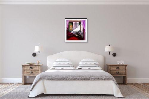 תמונה לחדר שינה - נריה איטקין - יונה לבנה בחלון - מק''ט: 229845
