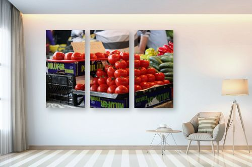 תמונה לבית - דן ששתיאל - עגבניות בשוק - מק''ט: 111179