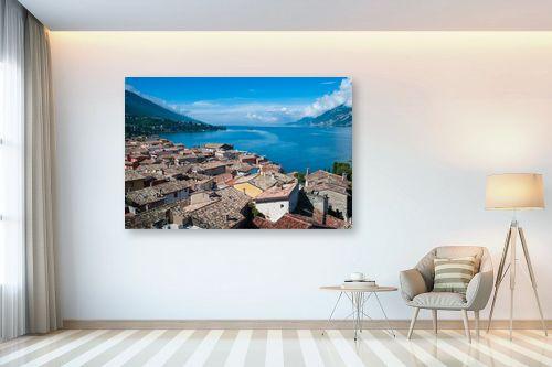 תמונה לבית - אורי לינסקיל - עיירה ליד האגם - מק''ט: 212409