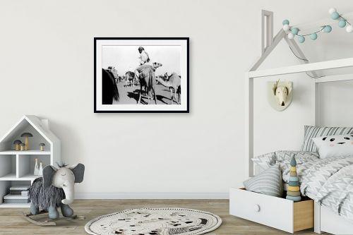 תמונה לחדר ילדים - דוד לסלו סקלי - ג'ירג'ה 1940 מרוץ גמלים - מק''ט: 143790