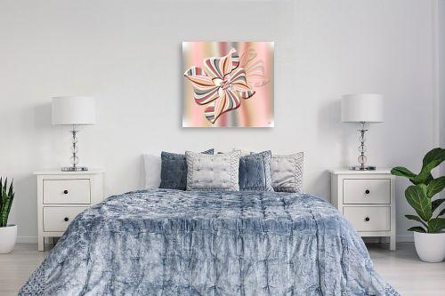 תמונה לחדר שינה - ויקטוריה רייגירה - פרח בשיאו הורוד - מק''ט: 201043