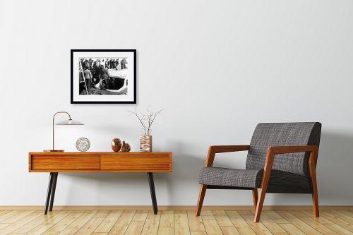 תמונה לחדרי המתנה - דוד לסלו סקלי - תל אביב 1937 יורדים לסירה - מק''ט: 146004