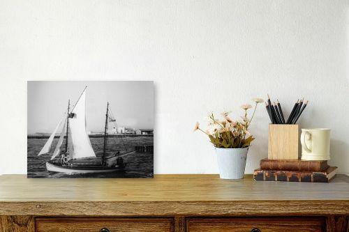 תמונה לשולחן - דוד לסלו סקלי - תל אביב 1939 סירת מפרש - מק''ט: 143083