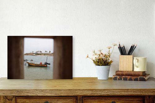 תמונה לשולחן - אבי סימן-טוב - סירה במסגרת - מק''ט: 315558