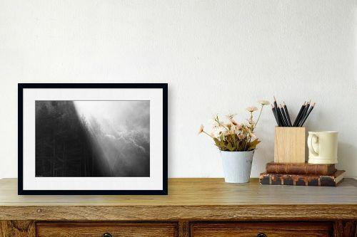 תמונה לשולחן - אורי לינסקיל - קרני שמש בערפל בוקר - מק''ט: 318235